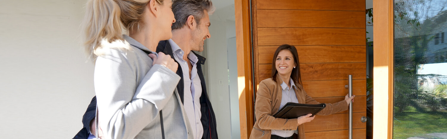 Looking to Hire a Realtor or Real Estate Agent? What to Know Beforehand.