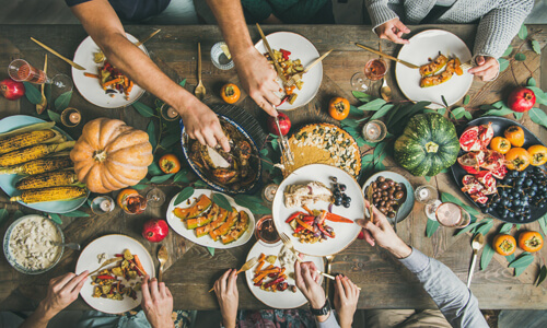 How to Host an Elegant Thanksgiving Dinner Without Busting the Budget