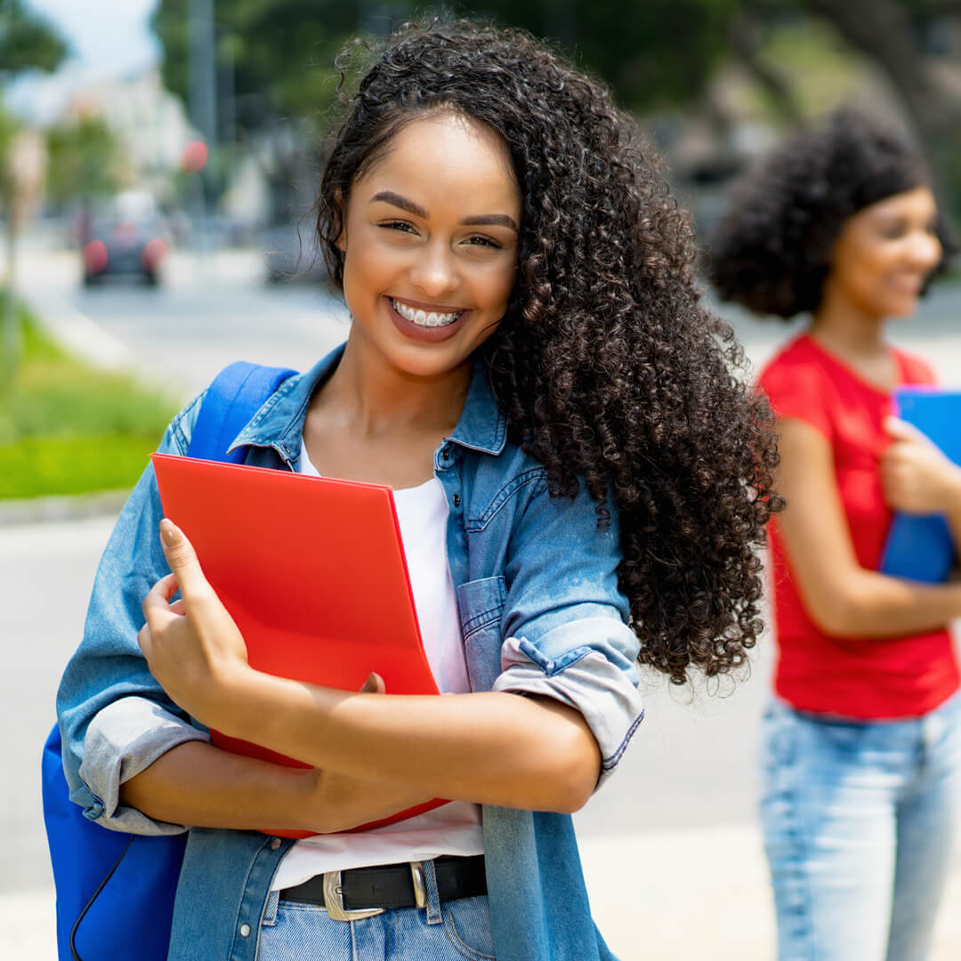 5 Places to Find Scholarships to Help Pay for College