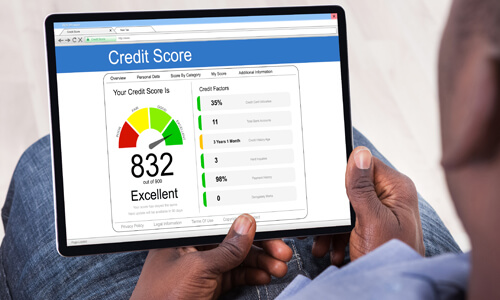 Screen reflecting an excellent credit score of 832